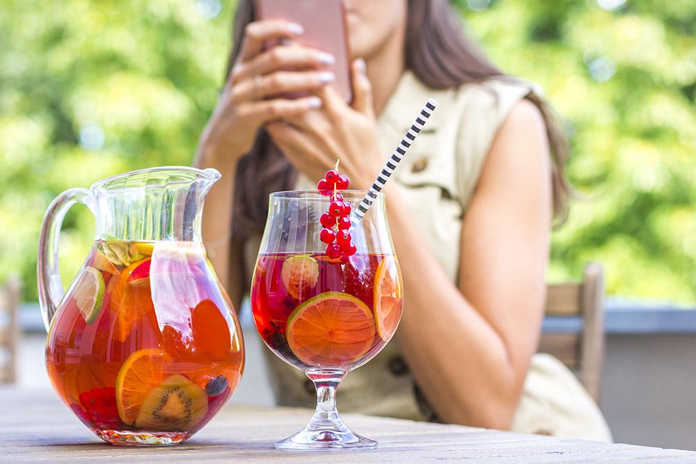 Pravidelný pitný režim v průběhu diety
